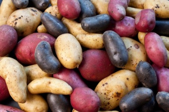 did-you-know-weird-beauty-facts-potatoes-reduce-puffiness